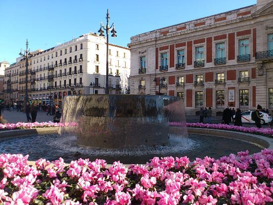 Puerta del Sol : casa de correos