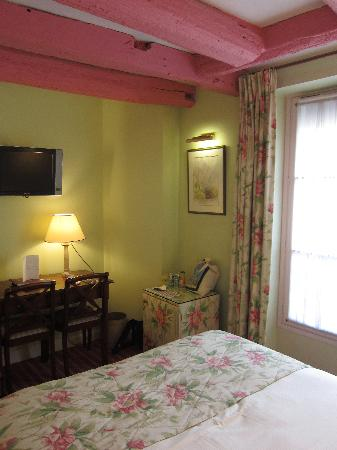 Le Relais Montmartre: Room at the hotel