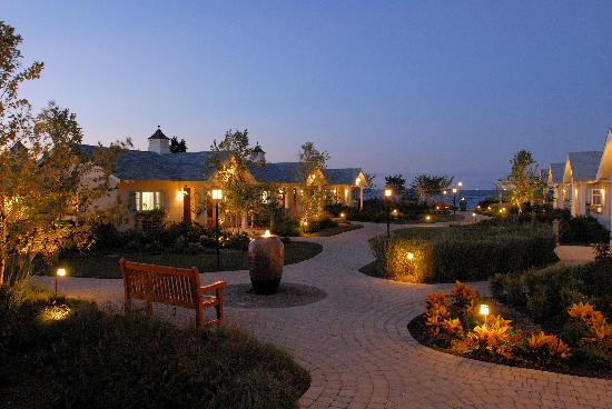 Rose Haven, MD: Garden Pathway to the Beach and Guestrooms