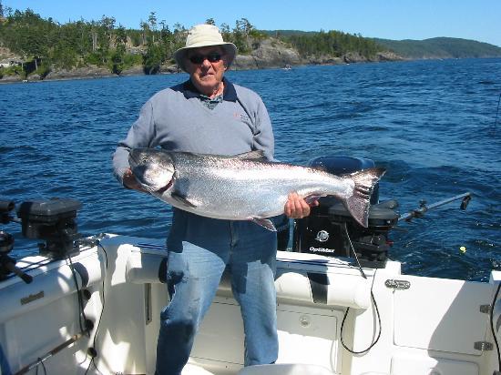 Foghorn Fishing Charters: Salmon Fishing