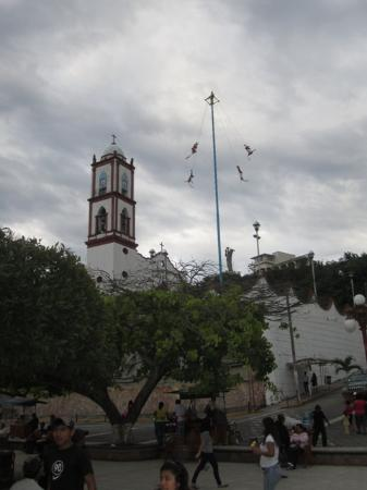 Los Voladores of Papantla: view from the park