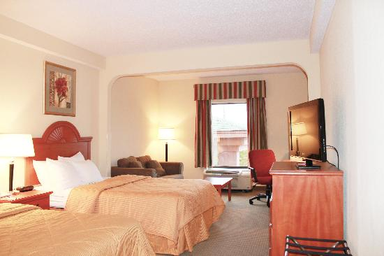 Quality Suites Altavista - Lynchburg South: Double bed