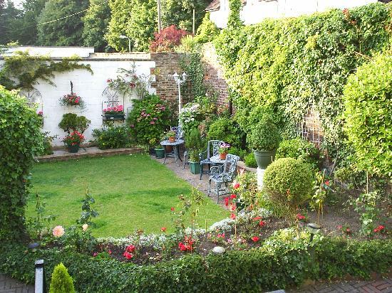 Number One Guest House: Secret Walled Garden