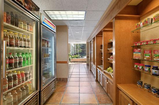 Homewood Suites by Hilton Houston Kingwood : suite shop