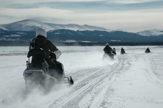 White Mountain Tours: Wide trails and spectacular views, Turquoise Lake, February 2012