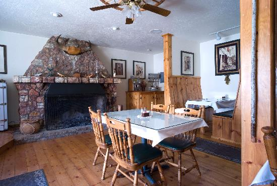 McGee Creek Lodge: Dining Room