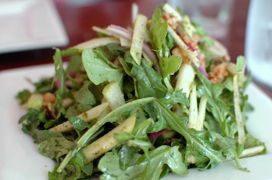 Cargo Bar Pizza Lounge: Salad
