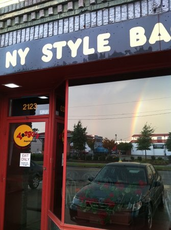 Yorgo's Bageldashery: Front entrance