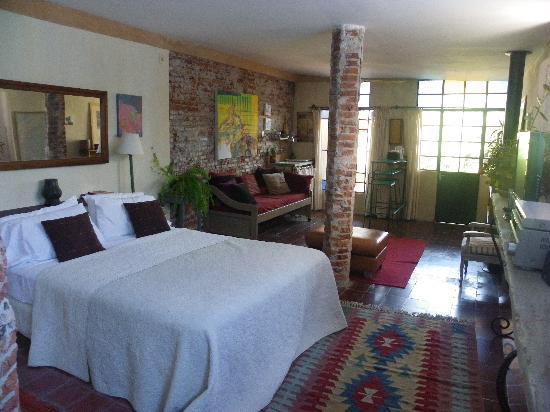 Colonia Suite Apartments: The Garden Room
