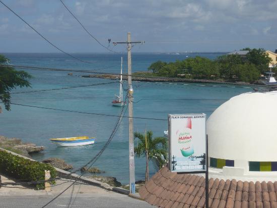 Hotel Bayahibe: Vista de la playa desde el café del hotel.