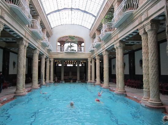 Danubius Hotel Gellert: the pool was outstanding!