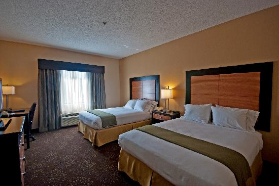 Holiday Inn Express Hotel & Suites Buford: Two queen bed