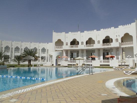 Liwa Hotel: Pool