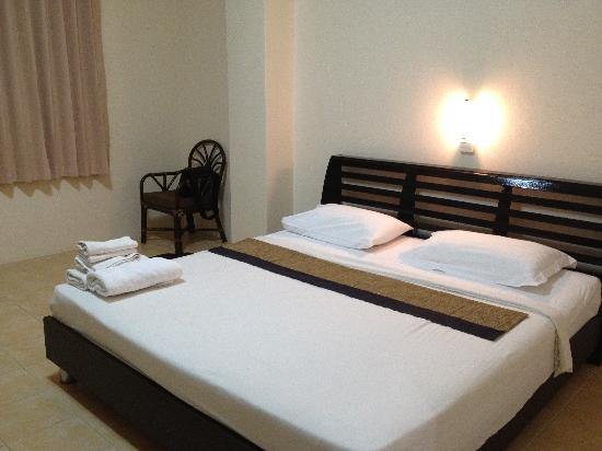 Beach Breeze Guesthouse: Spacious Double Room
