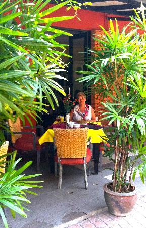 La Paillote: Outdoor setting
