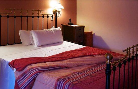 Hotel santa isabel kamer 211 bed picture of hotel santa isabel havana tripadvisor - Bed kamer ...