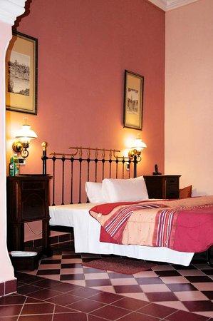 Hotel Santa Isabel Kamer 211. Gezien vanuit het woon gedeelte