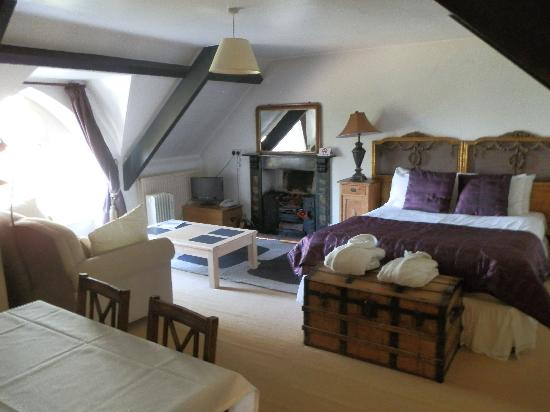 Rudloe Arms: Our Luxury Suite