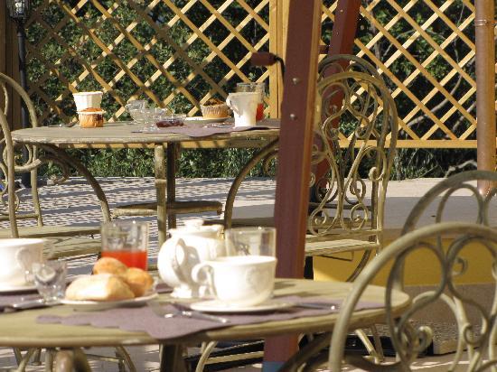 Agriturismo Garumba : colazione in terrazza