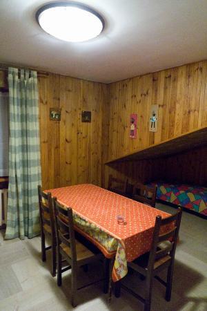 Casa Vacanze Bucaneve: Living room, 5th floor