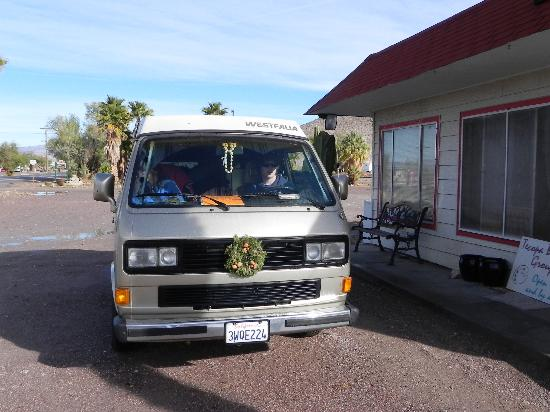 Tecopa Hot Springs : Our rented vanagon parked outside the motel