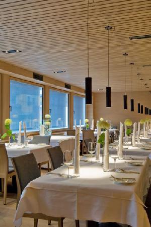 Design & Wellness Hotel Alpenhof: New restaurant