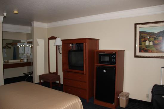Best Western Cordelia Inn: Chambre - Télévision