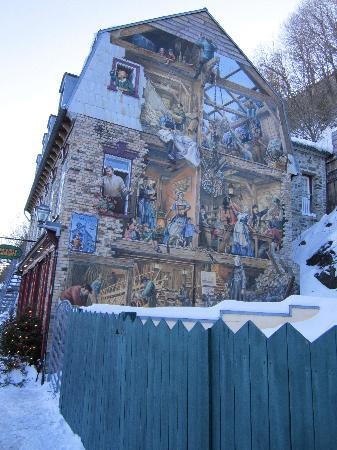 Mural in Quartier Petit Champlain