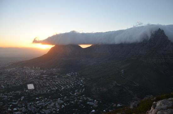 The Cape Town Tour Guide Co. : Sunrise from Lions Head