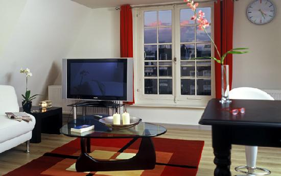 Dutch Masters Apartments: 3BR - Karel Appel apartment