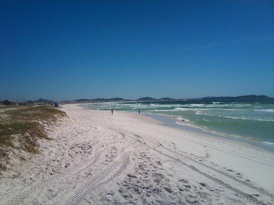 Cabo Frio, RJ: Praia do Foguete, logo depois a Praia da Dunas e ao final a Praia do Forte