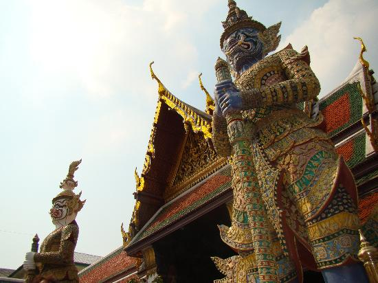 wat phra kaew - Picture of Temple of the Emerald Buddha (Wat Phra Kaew), Bang...