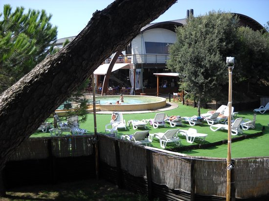 Canado Club Family Village: piscina x bimbi