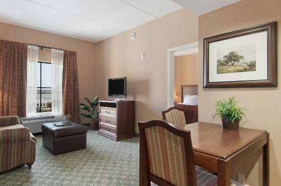 Homewood Suites by Hilton Hotel San Antonio North: accessible suite