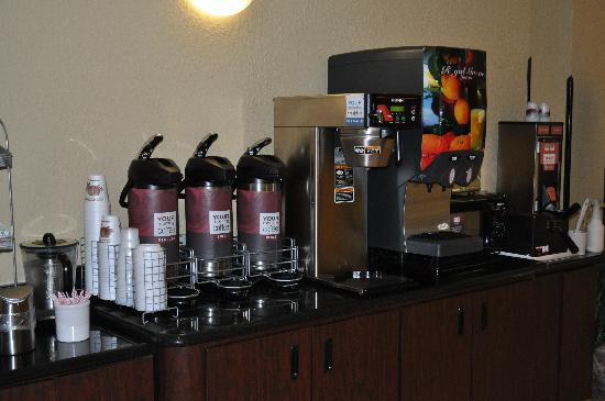 Comfort Suites UCF / Research Park: Comfort Suites UCF/Research Park: Beverage Bar