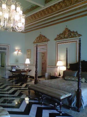 Taj Lake Palace Udaipur: our suite