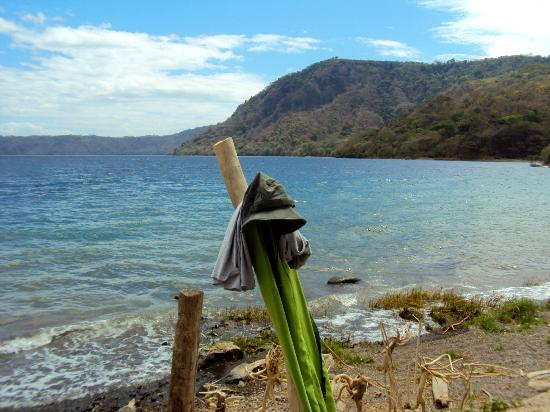 Apoyo Lodge: Ahhhh the lake. Perfectly blue and a little windy in March