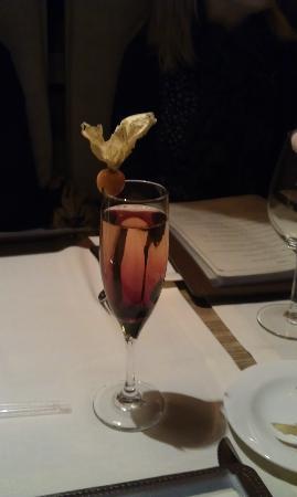 Restorans 4Rooms: Kir Royale