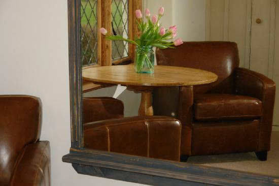 Somerset Bed and Breakfast: The Cambry Seating Area