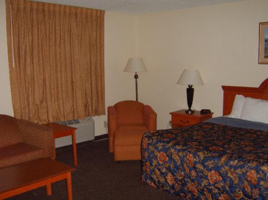 Country Hearth Inn & Suites: One Room Suite