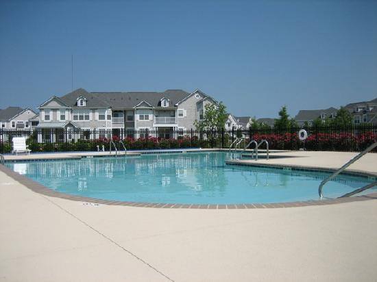 Bay Creek Vacation Rentals : Fairway Condo Swimming Pool