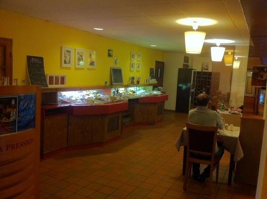 Inter-Hotel IKAR Blois sud: l entrée du restaurant