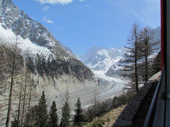 Montenvers - Mer de Glace train: View of the glacier from the train