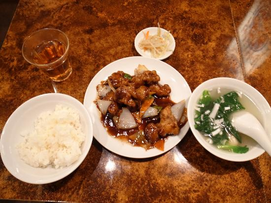 Shinfukuki: 黒酢酢豚定食