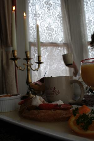 Arcadian Inn Bed and Breakfast: Breakfast
