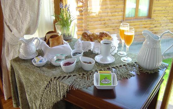 Santa Monica Aparts: Exquisto desayuno que ofrecemos con room servicea