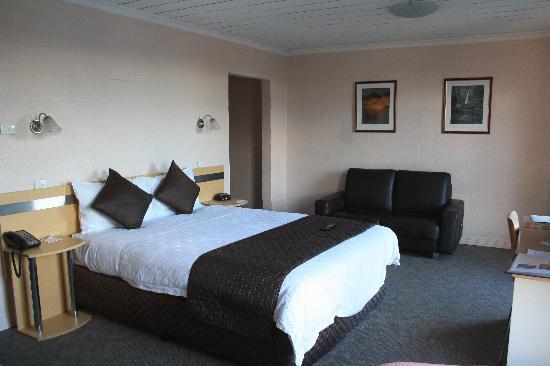 Balmoral on York: room