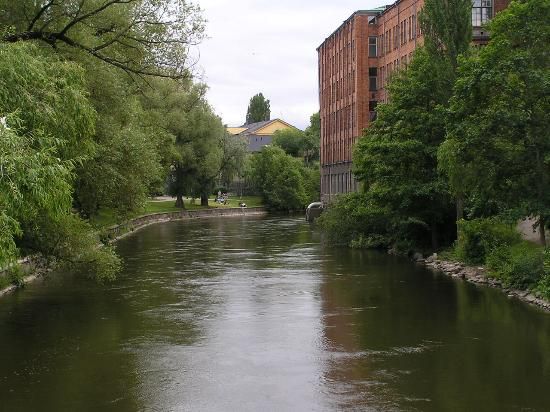 Norrköping, Sverige: Along the river