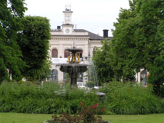 Scandic Norrkoping City: The gardens across from the hotel