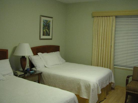 Viscay Hotel: Two queen beds